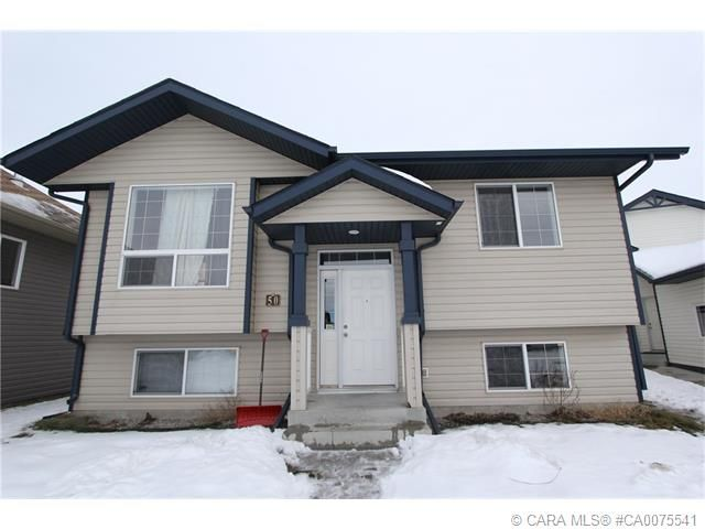 Fully developed bi-level #ForSale on a quiet close. Large yard and close to schools & parks! Info: http://ow.ly/Yxov1 #ShantelCampbellRealEstate