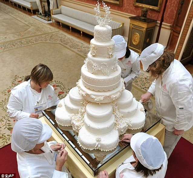 the most beautiful wedding cake ever made the most expensive beautiful wedding cake made 20877
