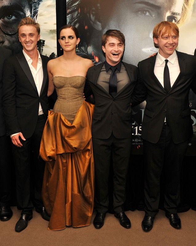 Harry Potter Star Tom Felton Plays Marry Snog Stupefy With Fan Favorite Characters Harry Potter Cast Harry Potter Films Matthew Lewis