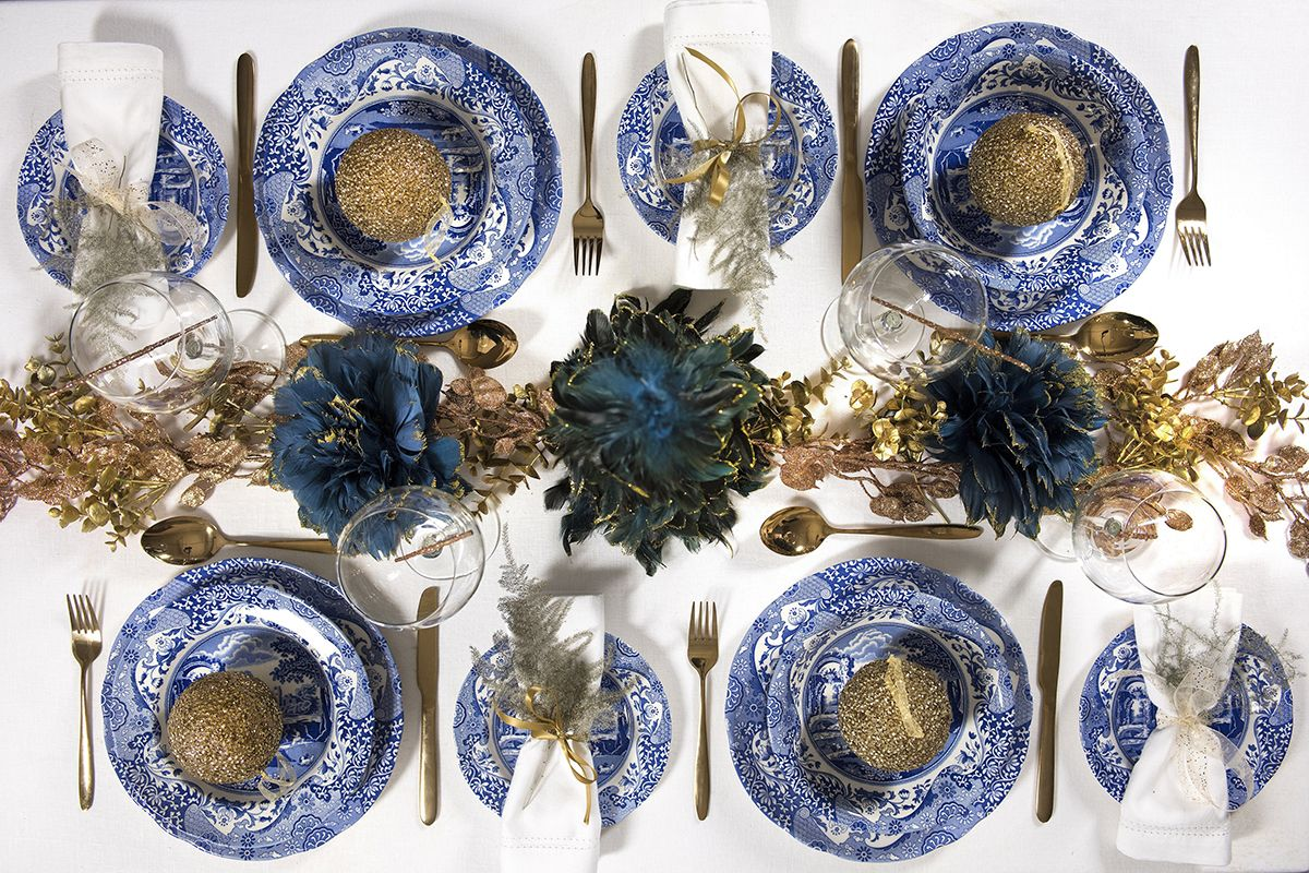 Spode Blue Italian 16 Piece Set Made In England Christmas Table Decorations Gold Christmas Decorations Christmas Dining Table