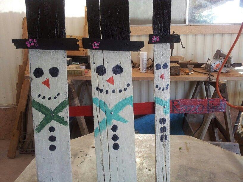 Pallet snowmen