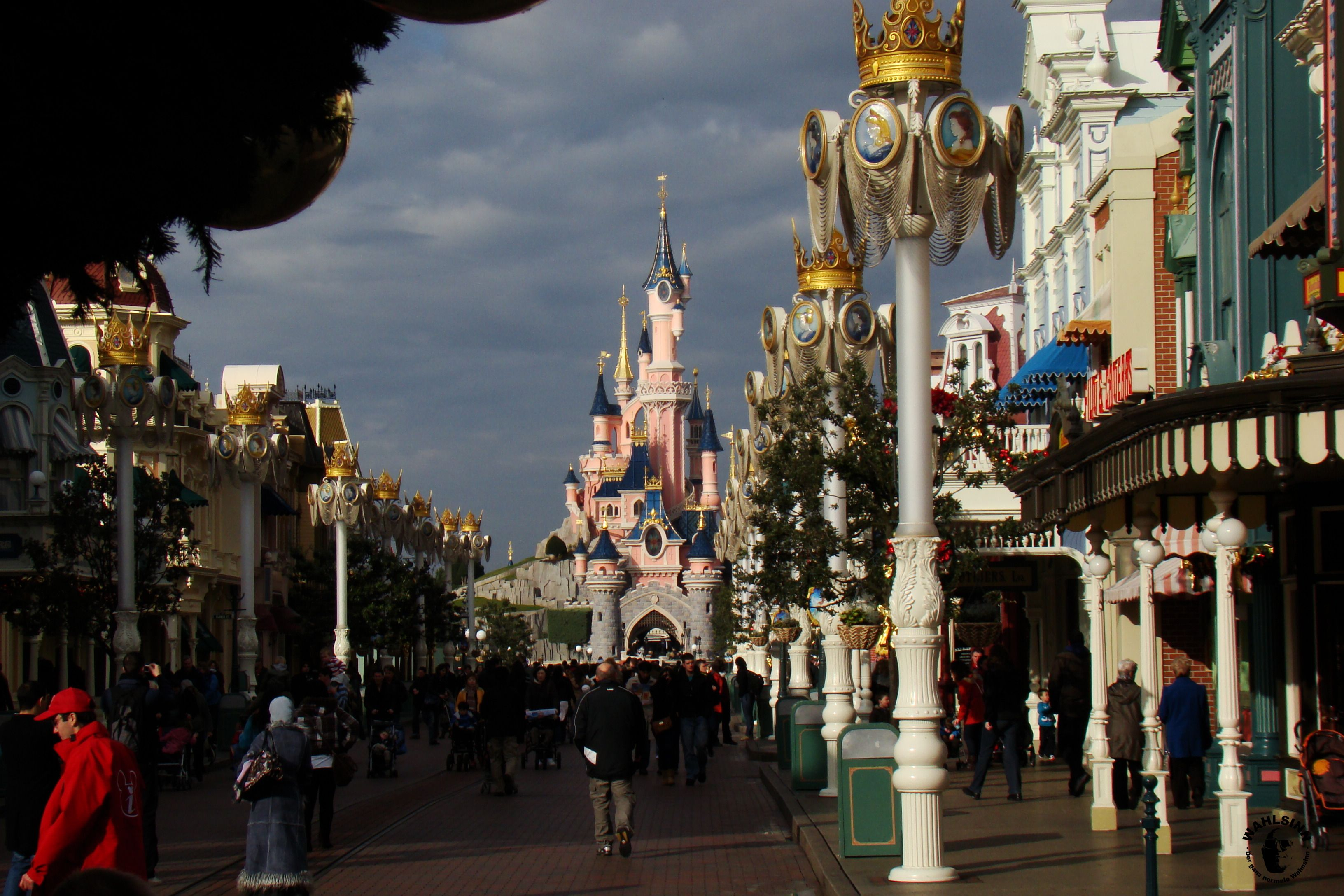 Disneyland Paris - Mainstreet & Disneyschloß
