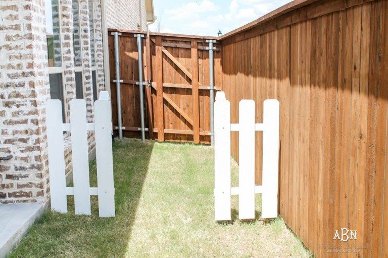 Follow Our Simple Steps To Recreate This Dog Gate For Your Own Backyard With This Essential Gate Kit From National Hardwa Outdoor Dog Gate Dog Gate Puppy Gates