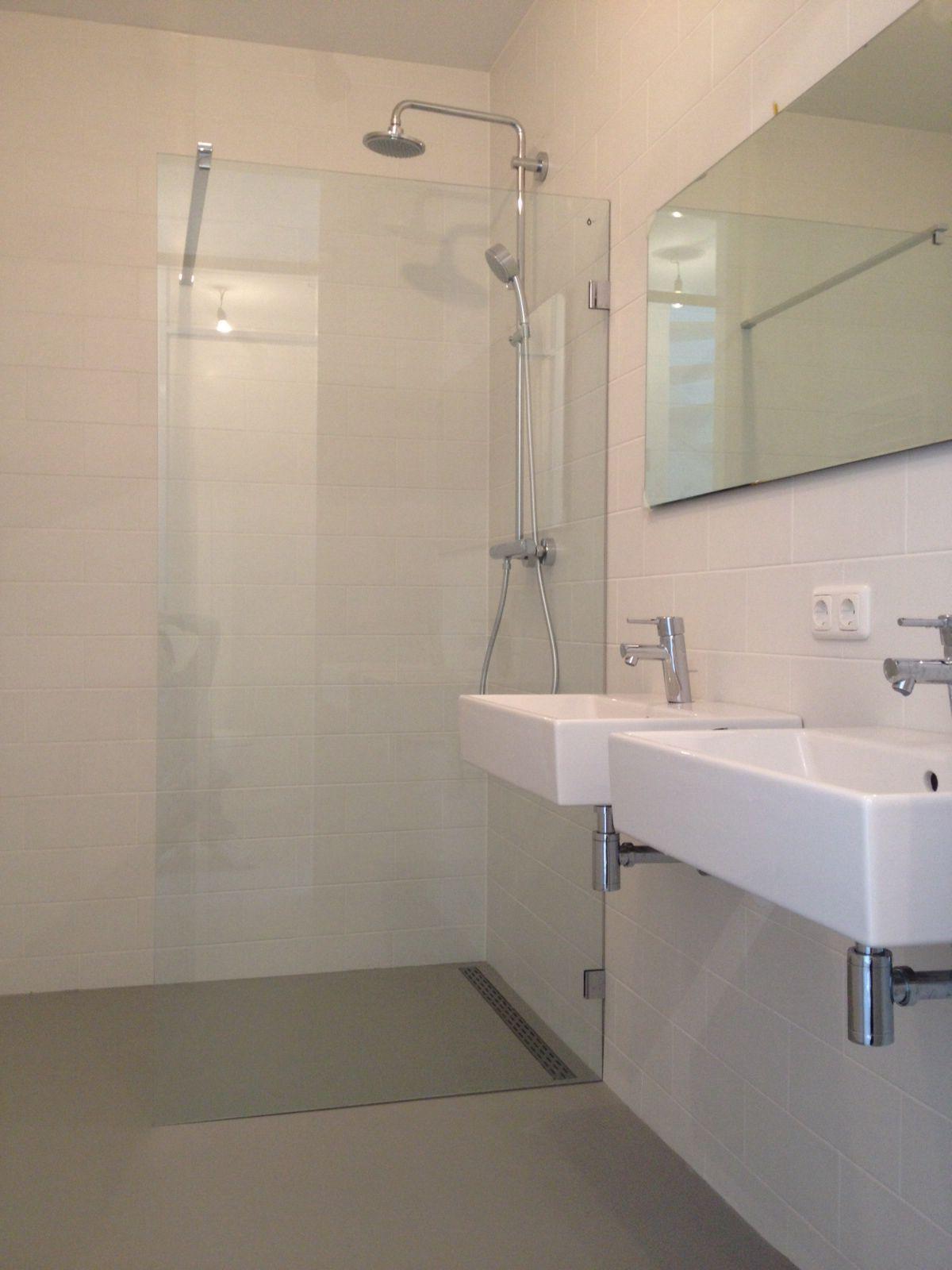 Gietvloer badkamer | badkamer | Pinterest | Toilet design, Toilet ...