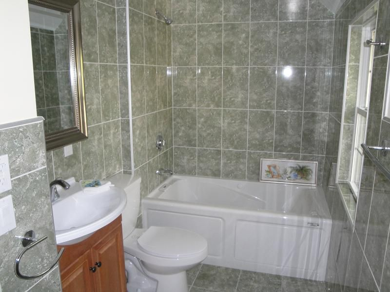 Jacuzzi Bathroom Designs Jacuzzi Bathtub Shower Combination For Small Bathrooms  Great