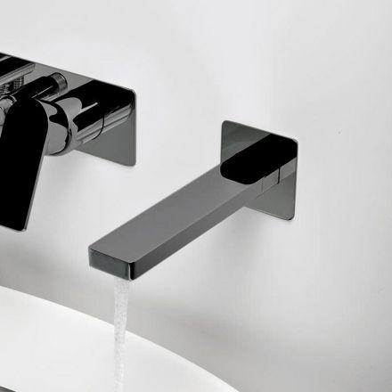 Bec verseur chromé noir mural pour baignoire Un accessoire qui va