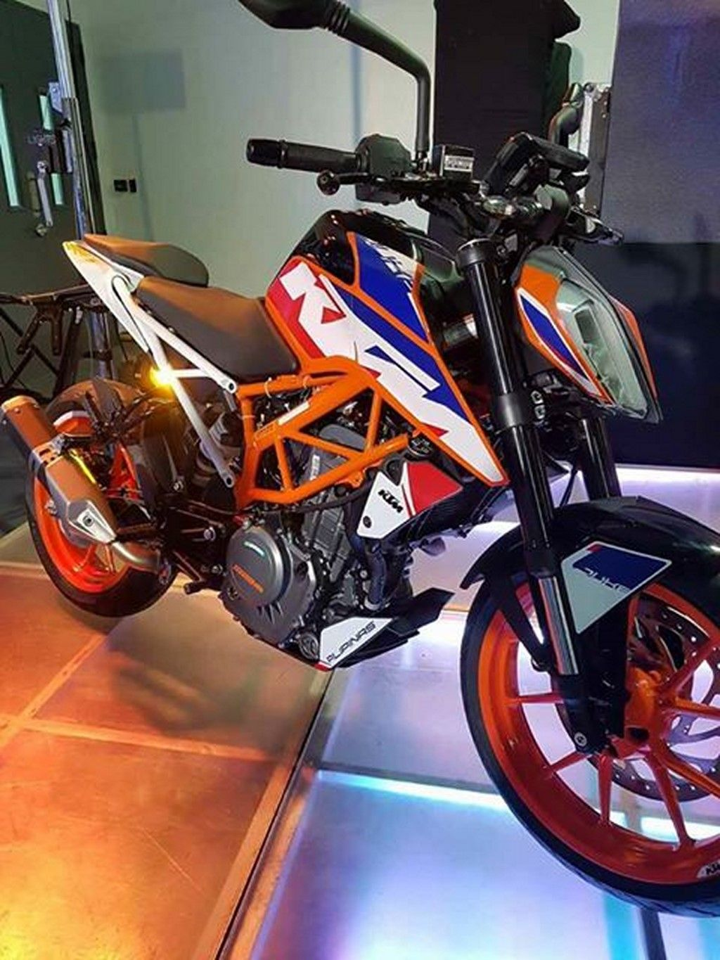 2017 Ktm Duke 390 Special Edition Launched In Philippines Ktm