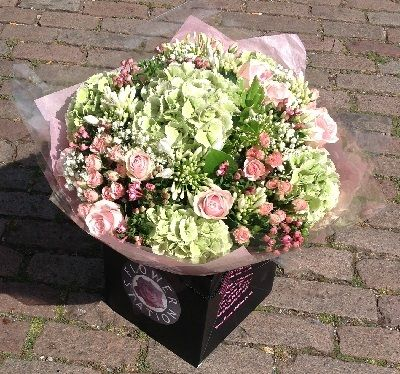 Pretty Flower Shops That Deliver Near Me | Florist | Pinterest ...
