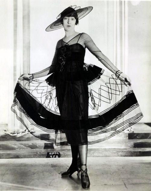 Model Fashion 1921 1920s Fashion Model Art Deco Fashion