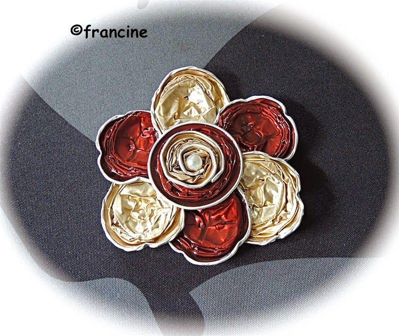 """FRANCINE BRICOLE : Six pétales forment les fleurs """"Nespresso"""" - dérivées en plusieurs coloris"""