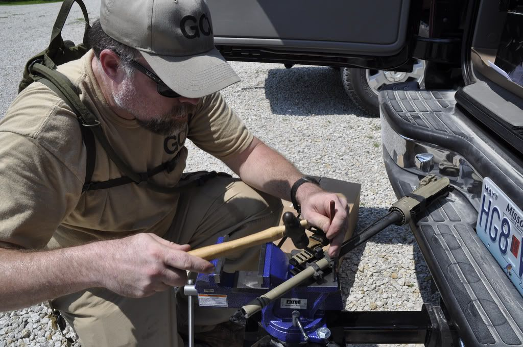 Trailer Hitch Mounted Vise Armorer S Tool Kit Ideas