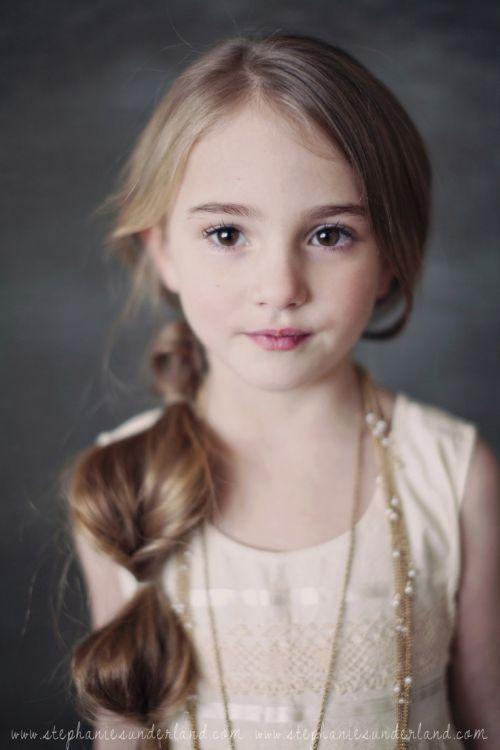 56 Coiffures créatives petites filles pour votre princesse