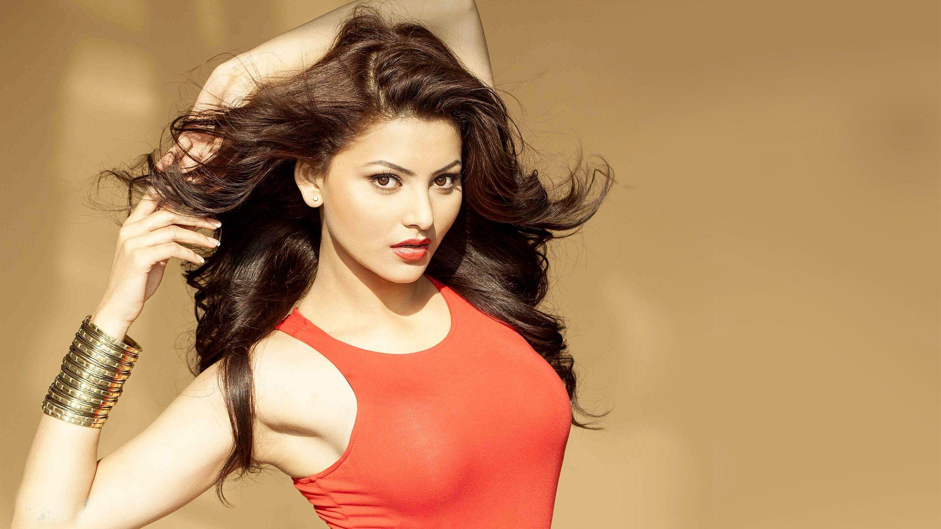 Urvashi Rautela New Wallpaper Bollywood Actress Actresses Urvashi Rautela Bikini