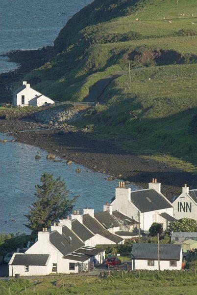 Foto de costa em Stein, na Ilha de Skye, na Escócia.  Parte da Grã-Bretanha Express Travel and Heritage Library Imagem, coleção Escócia.