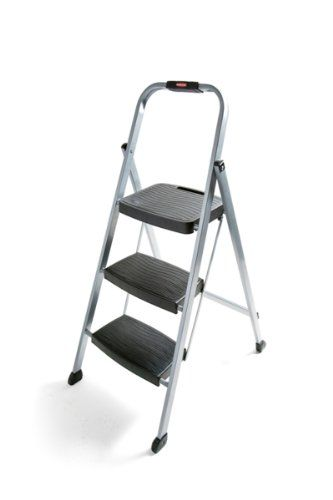 The Rubbermaid Rm 3w 3 Step Steel Stool Is Perfect Tool When You Need A Little Extra Height For Items In Kitchen Bathroom Office Or Garage D