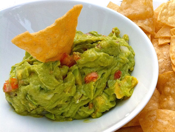 Vorbereitung die zwiebel und die frische knoblauchzehe fein hacken guacamole is based with avocado and is a mexican dip with cilantro tomatoes and cayenne guacamole is a flavorful dip find more dip recipes at pbs food forumfinder Image collections
