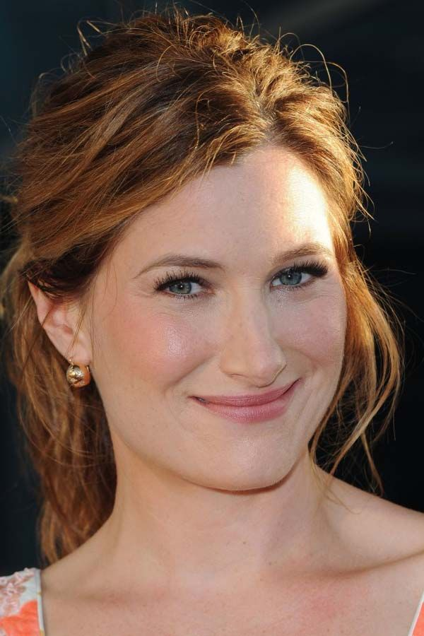 Kathryn Hahn Height and Weight, Bra Size, Body Measurements
