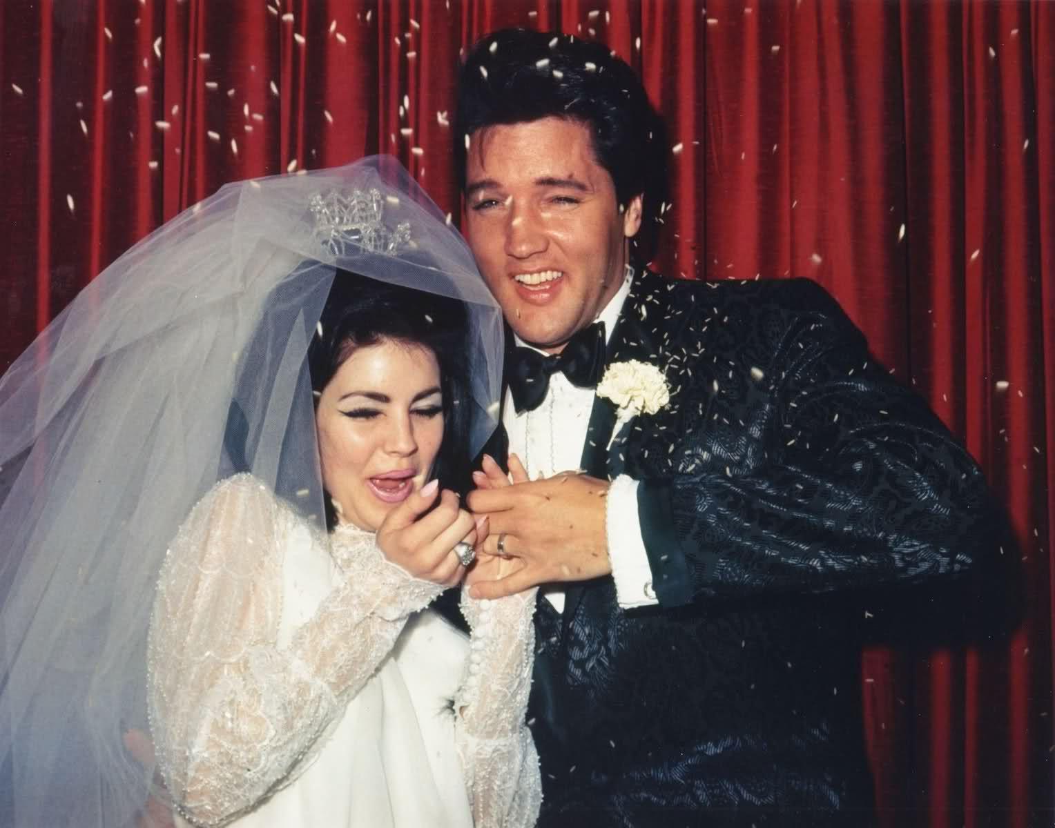 Elv1s Priscilla S Wedding Notice That Priscilla Has The Horseshoe Matching Engagement Ring On Priscilla Presley Wedding Elvis Presley Priscilla Elvis Wedding