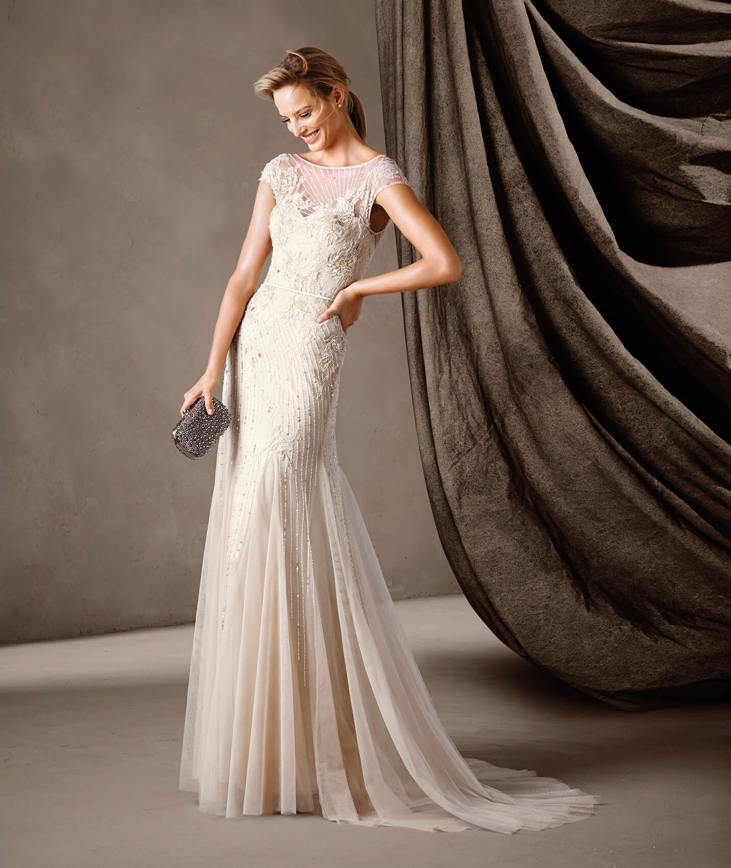 CELINE - Pronovias long figure-flattering dress  74868e8ca2