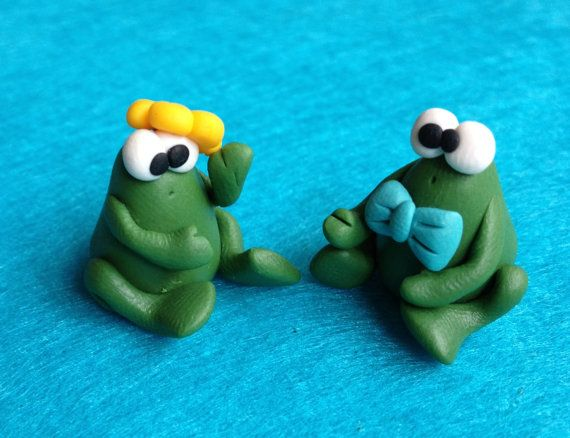 Hey, I found this really awesome Etsy listing at http://www.etsy.com/listing/123638520/miss-and-mister-frog-a-little-polymer