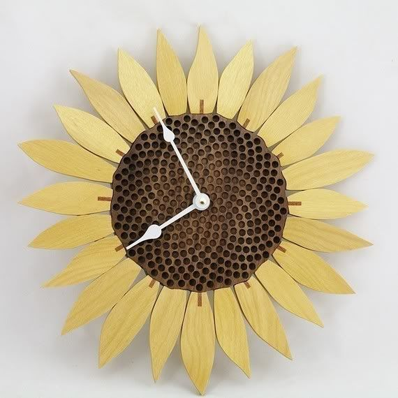 Genial Sunflower Clock. Maybe For The Living Room?