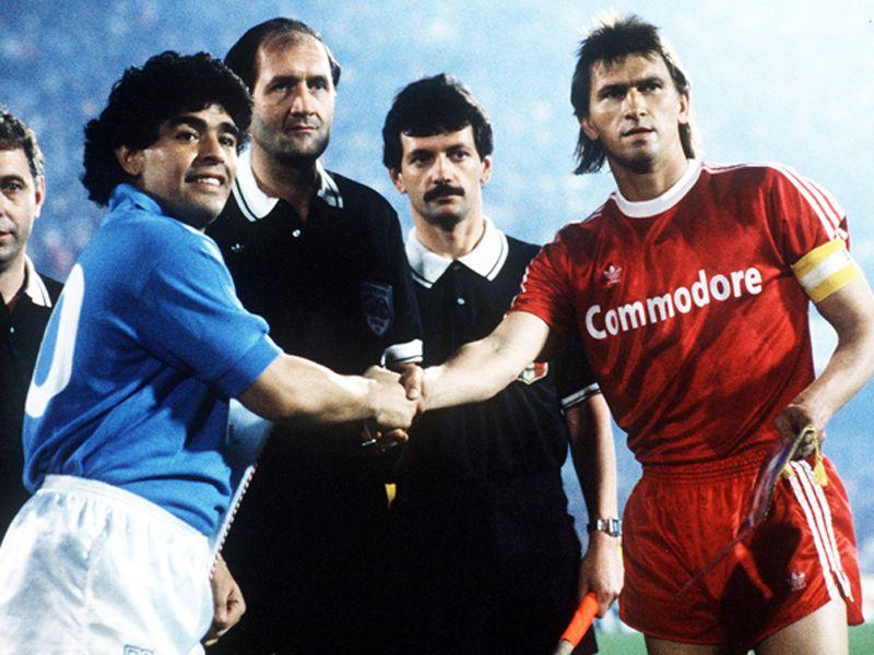 Klaus Augenthaler Diego Maradona Diego Maradona Jugador De Futbol Futbol Soccer
