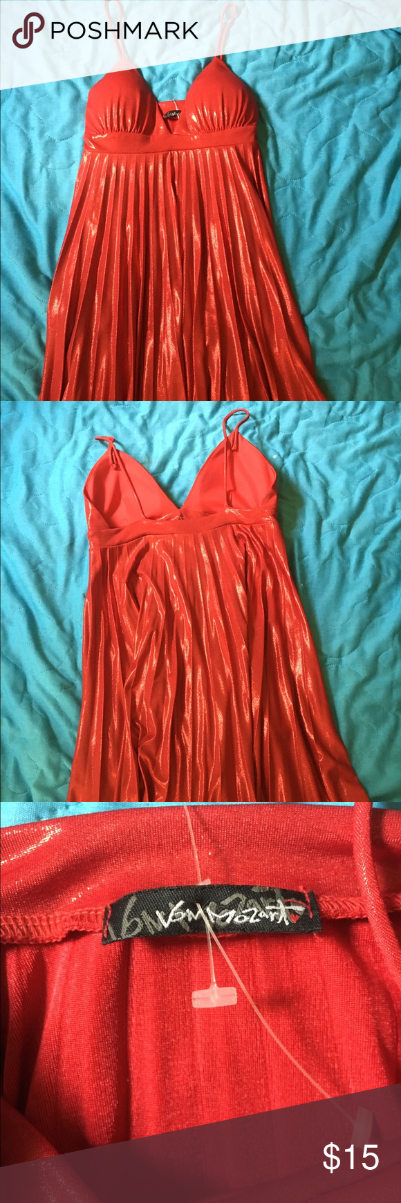 Slinky sparkly pleated spaghetti strap dress Slinky sparkly pleated spaghetti strap dress, padding in bust, never worn, Dresses Mini