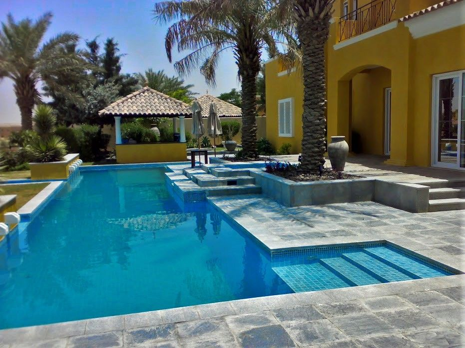 Landscaping swimming pool arabian ranches dubai for Garden pool dubai