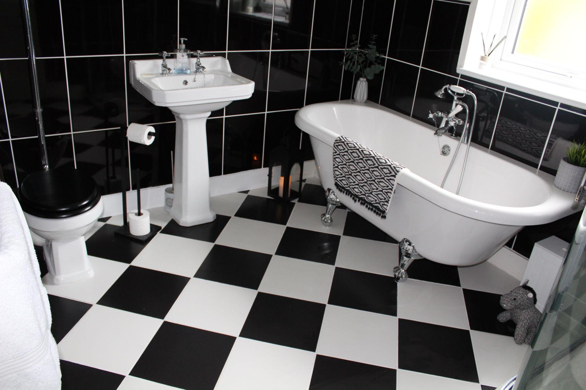 Black And White Checkered Tile Bathroom Floor Bathroom Design Black White Floors Black White Bathrooms