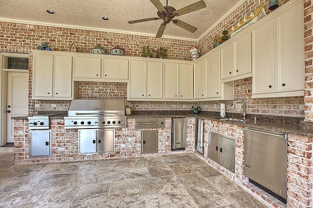 Summer Kitchen With Images Mansion Prices Summer Kitchen
