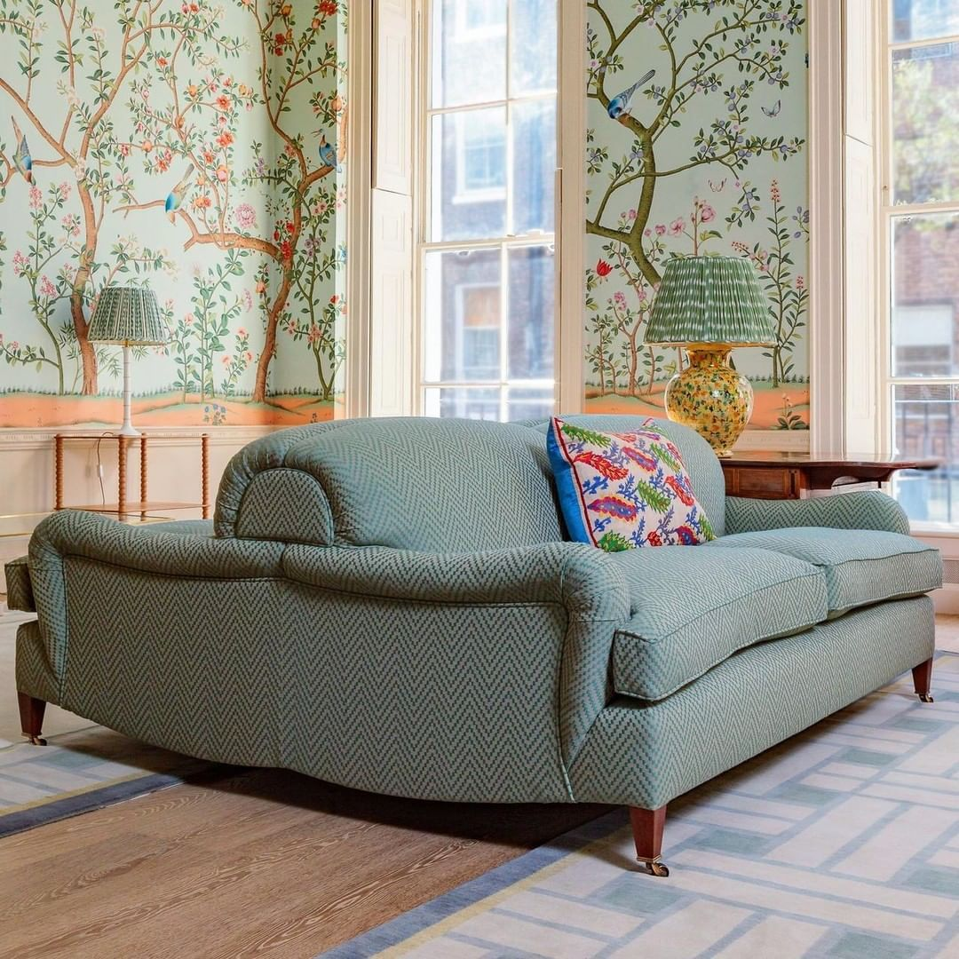 George Smith Furniture On Instagram Highlighting The Georgesmithfurniture Back To Back Sofa At A Private Residence In London Inte Furniture Home Decor Sofa