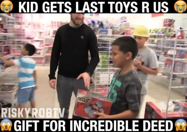 I Bought A 9 Year Old Kid His Last Toys R Us Gift For Returning My
