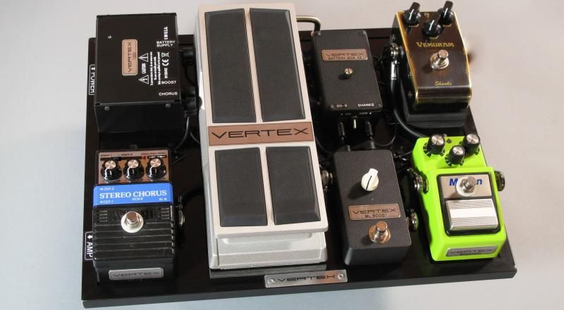 Michael Landau's Dry Pedalbord Vertex Volume Pedal 楽器