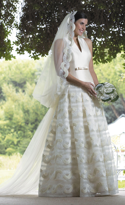 Abiti Da Sposa Realizzati Su Misura In Atelier Venite A Trovarci Www Cinziaferri Com Abiti Da Sposa Sposa Abiti Da Sposa Colorati