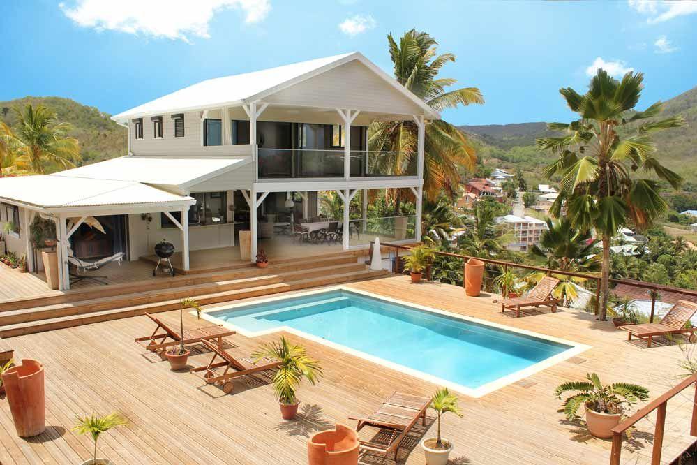 Location villa de luxe aux trois ilets en martinique de la plage piscine vue mer 16 personnes