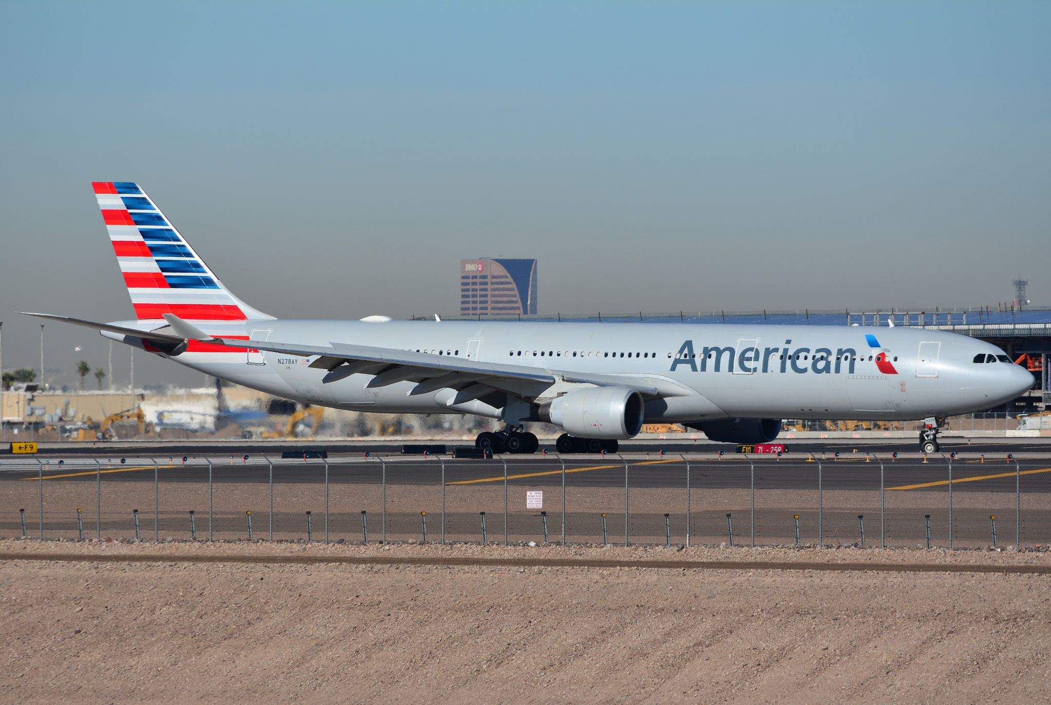 American Airlines Airbus A330 300 Arriving Into Phoenix