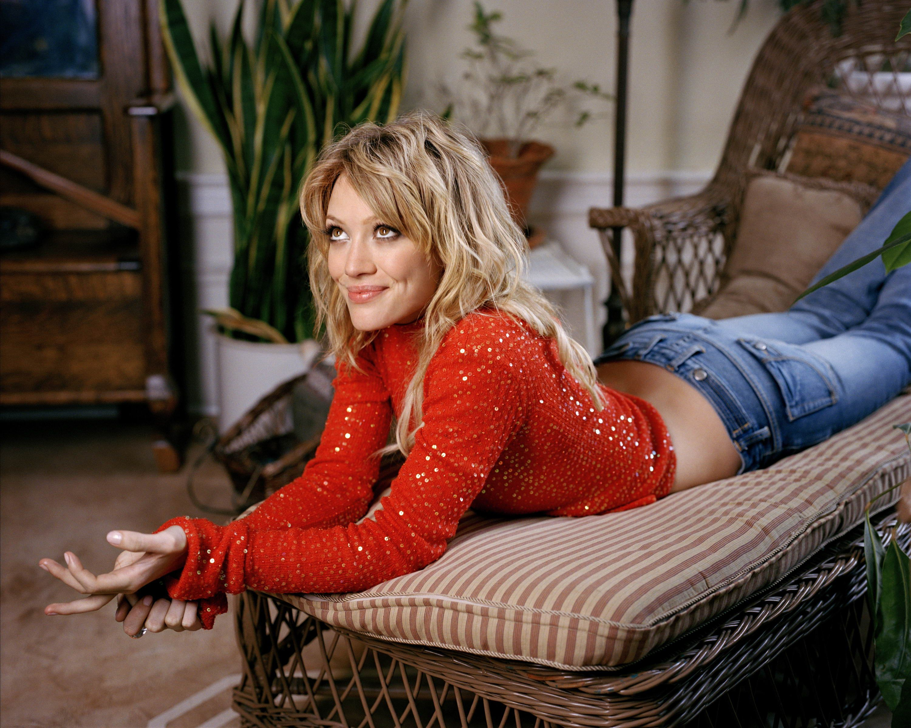Celebrity Pictures Your Favorite Source For Hq Photos Pictures Gallery Hq High Quality Click Image To Close This Win The Duff Hilary Duff Hillary Duff