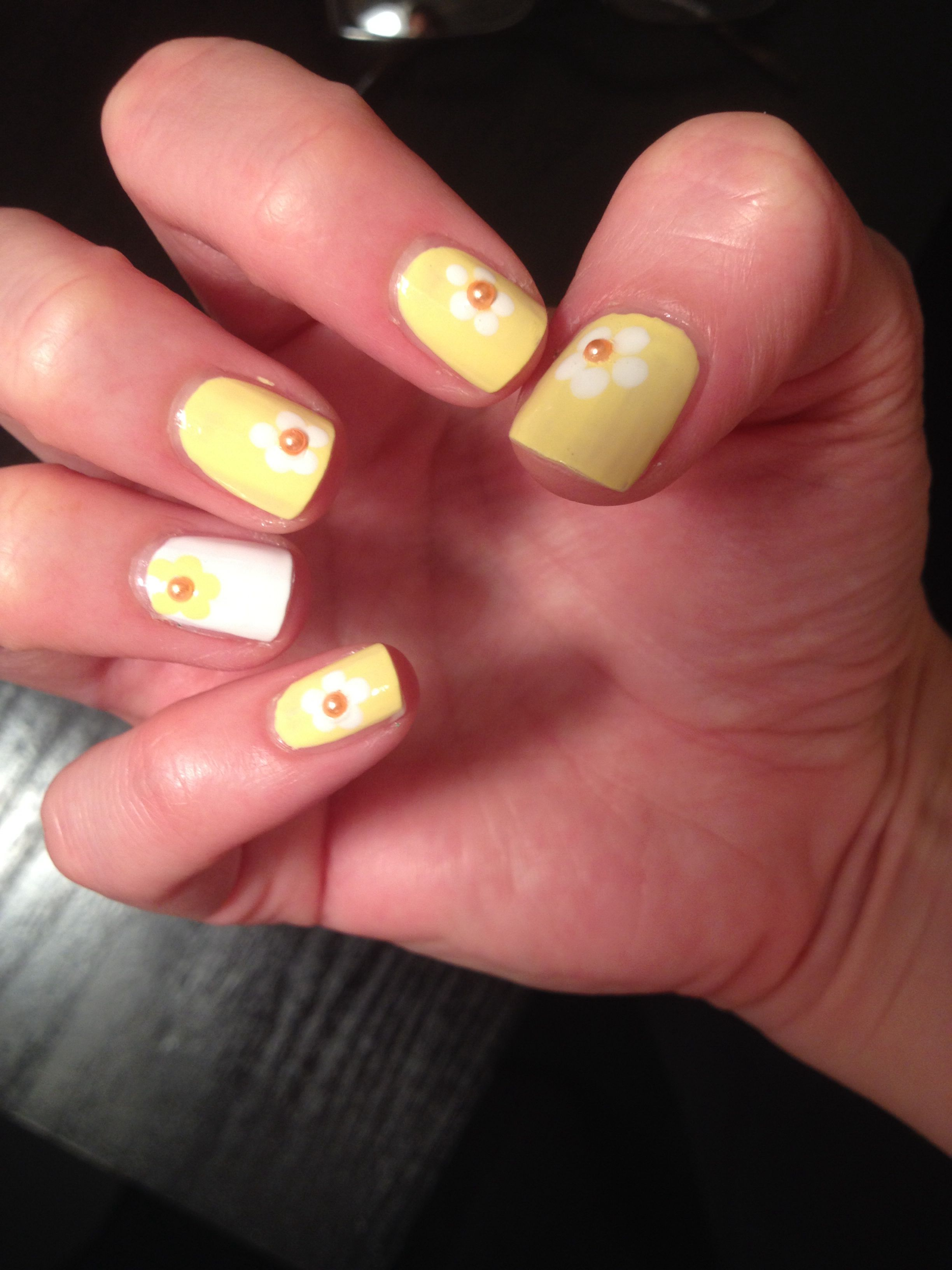 Yellow and white flowers nail art hair skin u nails pinterest