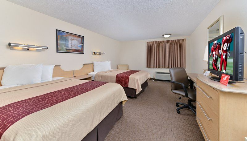 Affordable, pet friendly hotel in Seattle, Washington! Red
