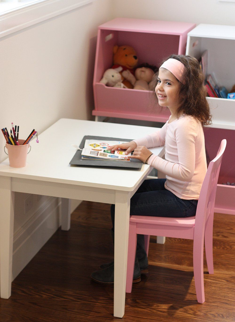Cute Little Desk And Chair Combo For Little Girls Room