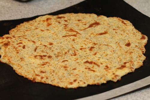 almond flour pizza crust-includes an even lower carb