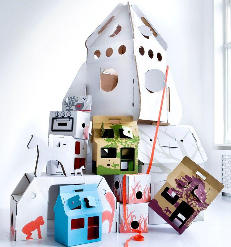 Juguetes elaborados en cartón, un mundo extenso e imaginativo