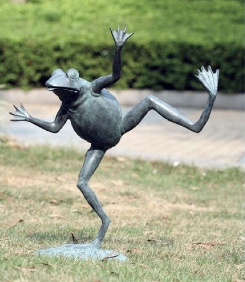 Crafted From Brass For Sturdy, Long Life, This Dancing Frog Garden Spitter  Sculpture Is Made By The Artists Of SPI Home.