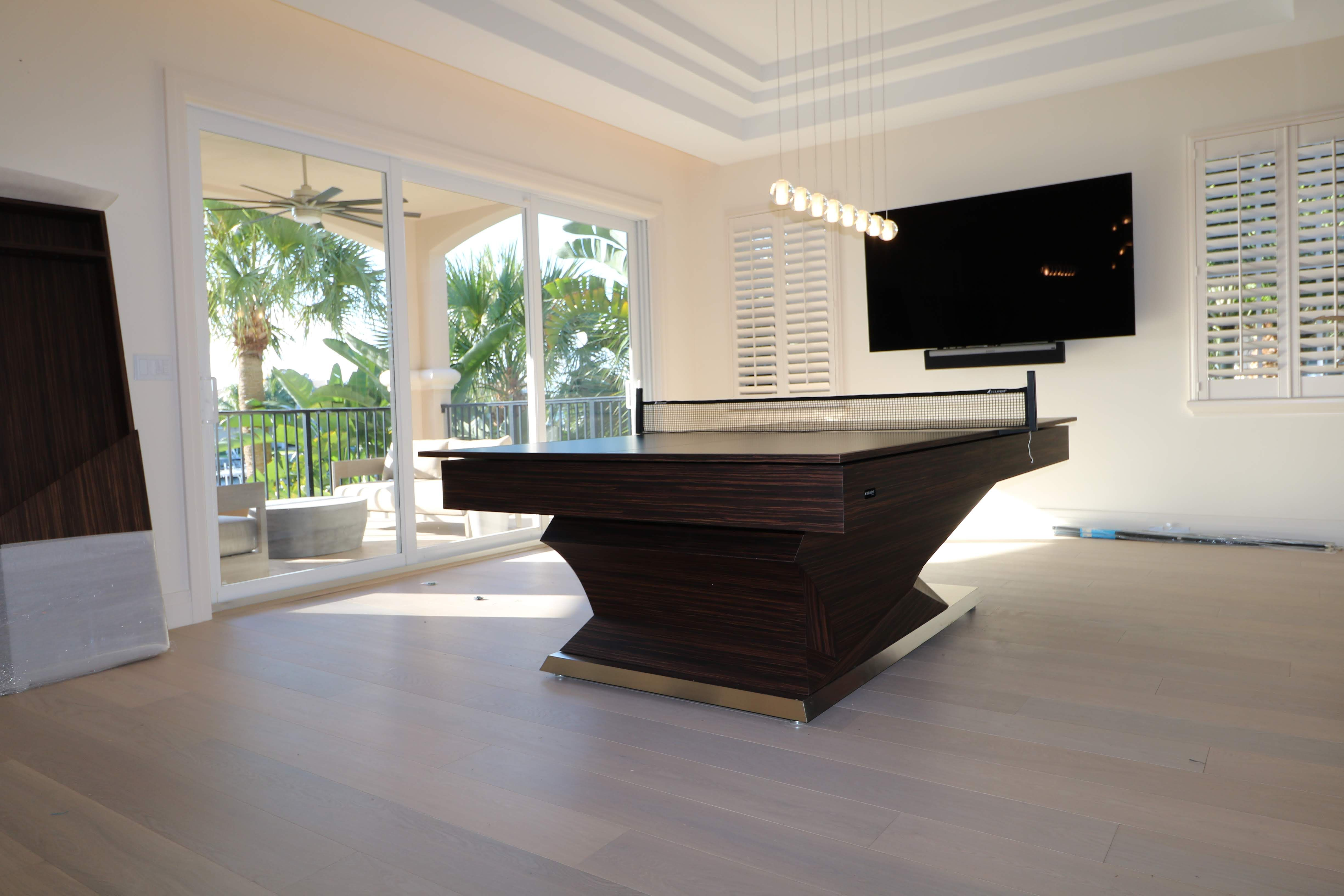 This Model Is The 11 Ravens Namesake Thus The Svelte Lines And Superlative Form Of This Design Envelopes You Into A Silhouette That Is Remin Modern Pool Table