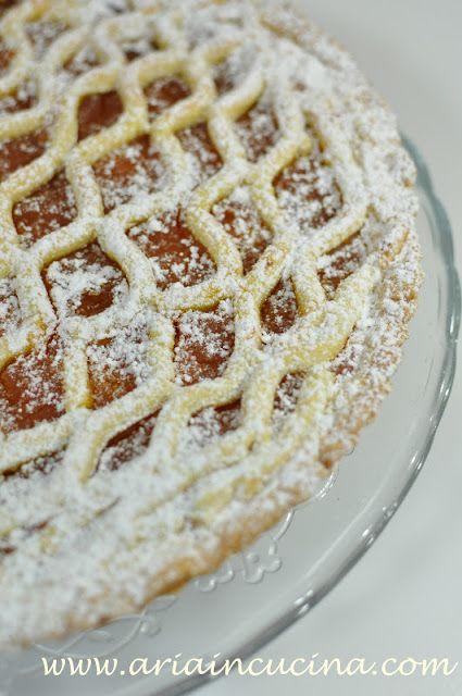 Crostata con frolla all'olio e cannella e confettura di zucca e vaniglia