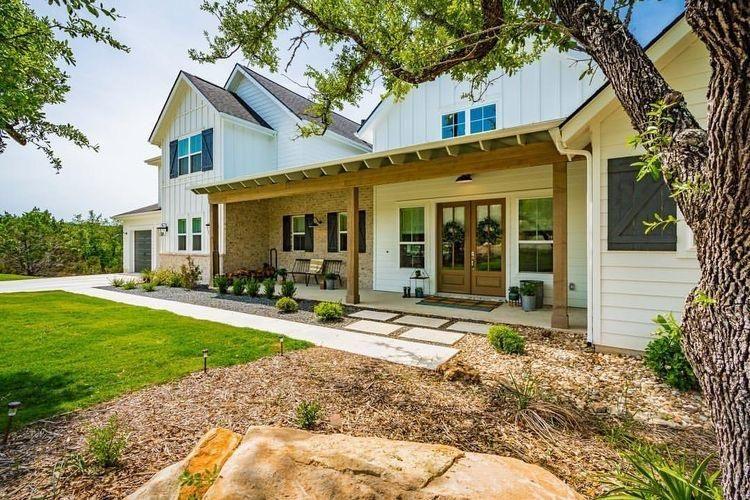 30 modern farmhouse exterior designs modern farmhouse