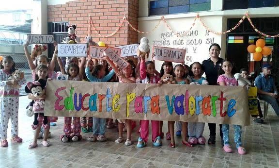 En Hogar Nazaret Tambien Celebraron El Dia De La Nina Con