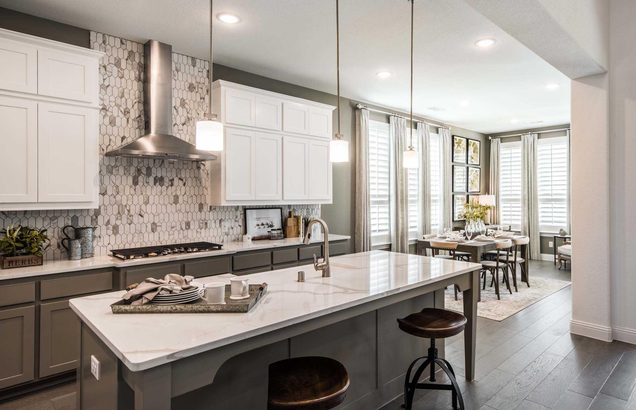 Highland Homes Plan 246 At Fairway Ranch Community In Roanoke Texas Kitchendesign Kitchenideas New Homes Highland Homes Home
