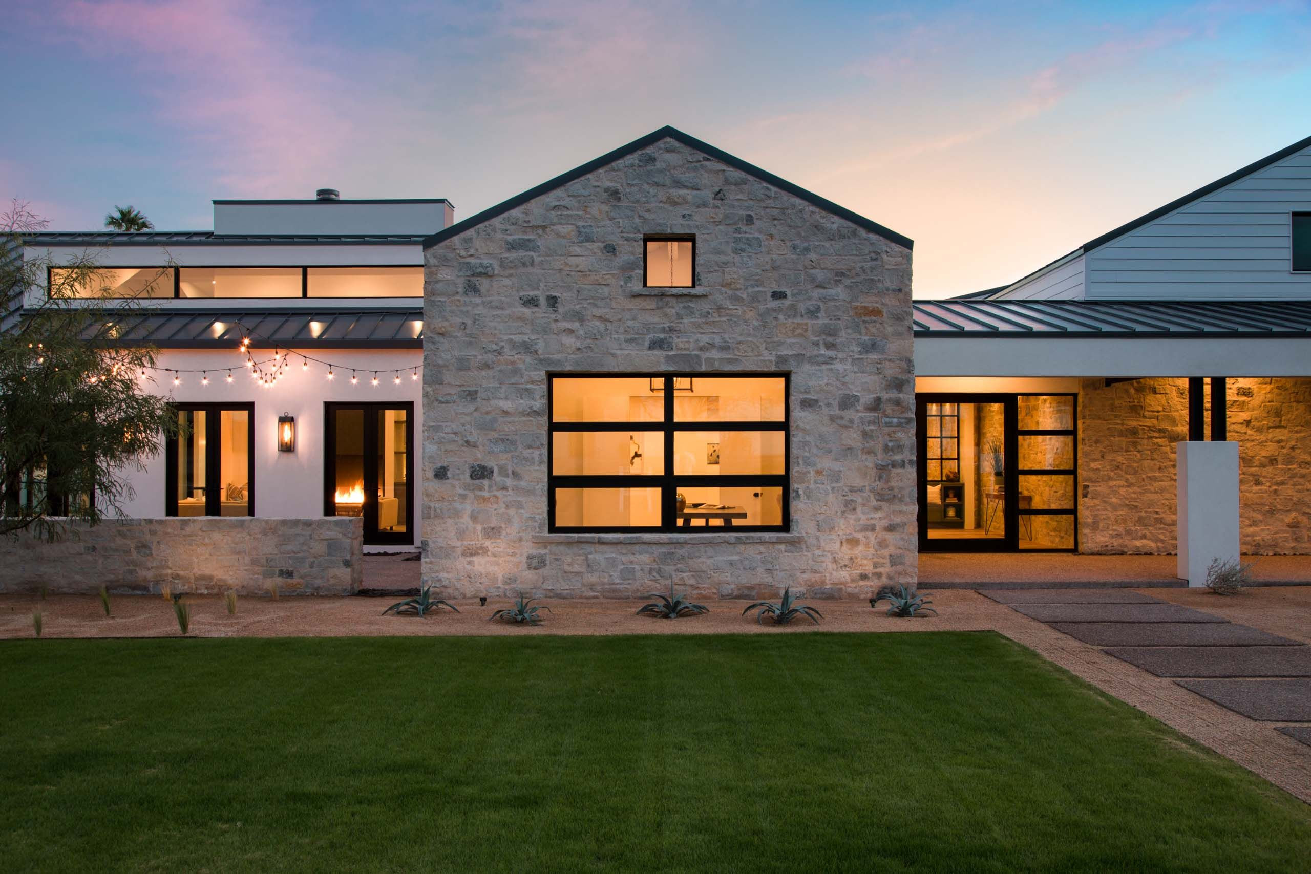Modern Farmhouse Richard Doria Architecture, K2signature Homes, Studio K  Design