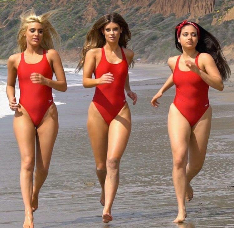baywatch-bikini-girls